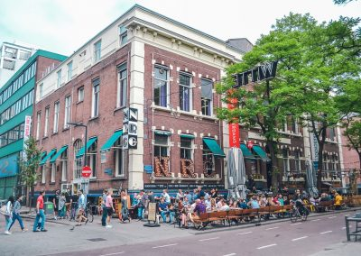 The witte de withstraat is full of cosy cafés and bars